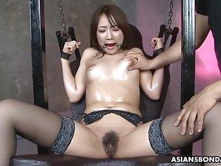 Petite Japanese brunette slut, Ryo Akanishi is about nearby cum
