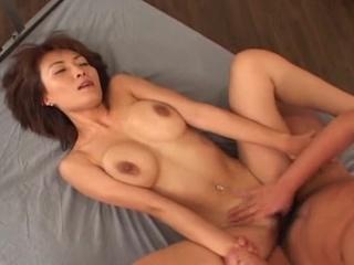 Great titties nymph Miri Sugihara playing cock!