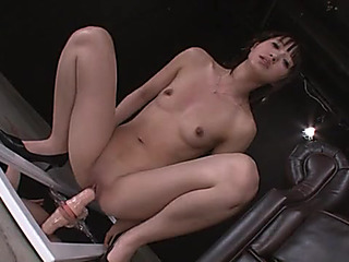 Riding a lengthy enlivened vibrator makes make an issue of Oriental beauty squirt