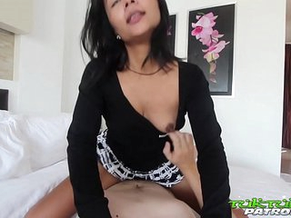 TUKTUKPATROL Asian Lets Foreign Unearth Pound Her Hairy Pussy