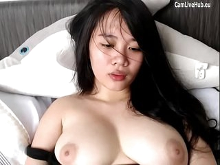 beamy asian cam girl orgasm for viewers