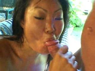 Waking along to horny Asian