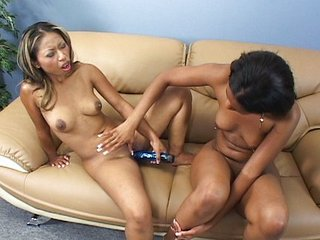 Steamy lesbians need satisfaction