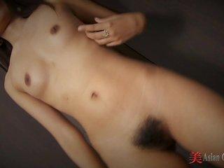 Thai Girl Boi Striptease