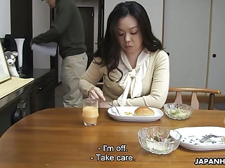 Mom sucking her son's steadfast cock be beneficial to his sperm